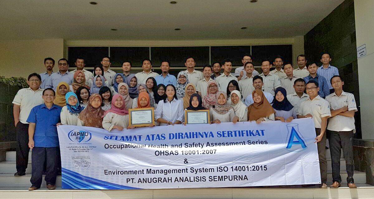 AAS Lab. Raih ISO 14001: 2015 & OHSAS 18001:2007
