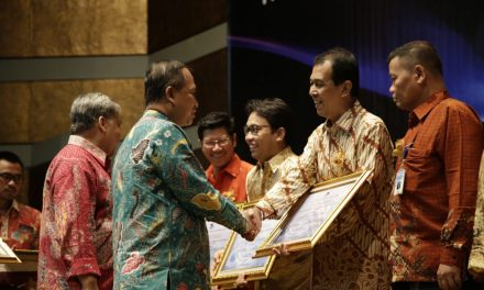 ASH Terima Penghargaan Kemenristekdikti